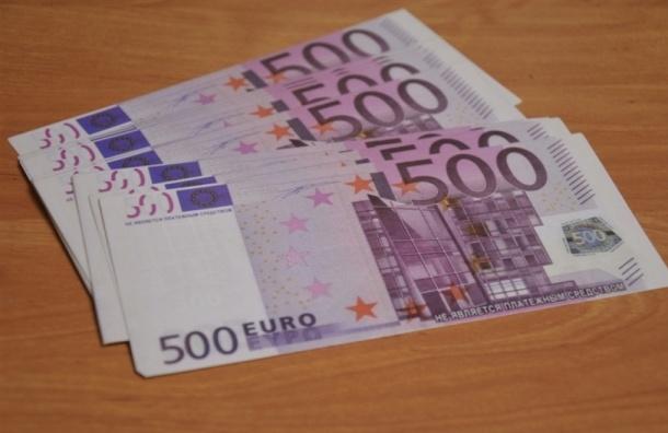 Евро перевалил за 85 рублей впервые с декабря 2014 года