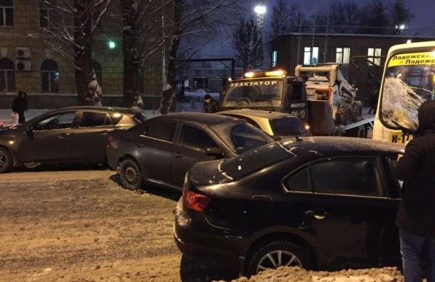 Авария из 6 машин парализовала движение на Энергетиков