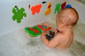 Малышка захлебнулась в ванной по невнимательности матери