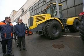 Медведев прокатился на петербургском «Кирюше»
