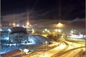 Запах гари с сильным смогом чувствуют на юго-западе Петербурга