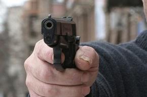 Преступники с пистолетом и ножом ограбили салон связи в Выборге