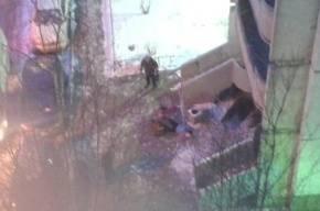 Очевидец: На Планерной человек выпал с общего балкона
