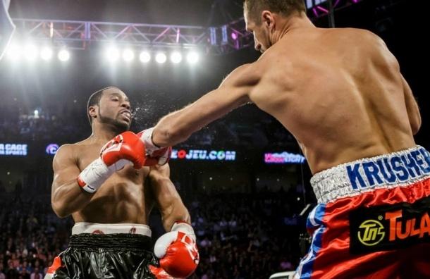 Российский боксер Ковалев защитил три своих титула в бою с канадцем Паскалем