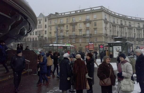 Петербуржцы собираются почтить память Бориса Немцова прогулкой