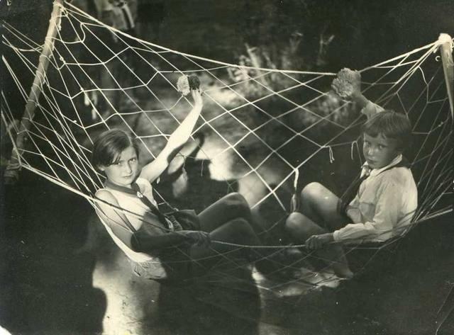 _Неизвестный фотограф. Пионерский лагерь в Шлиссельбурге. 1930-е