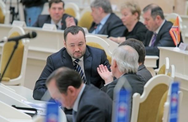 Анохин предложил штрафовать мужчин на 50 тыс. рублей за связь с проститутками