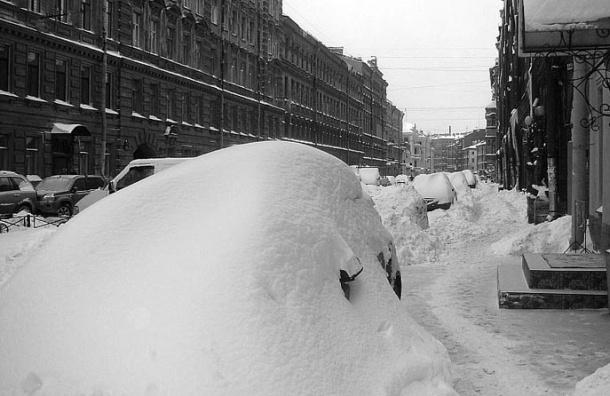 Сильный снегопад обещают сегодня в ночь в Петербурге