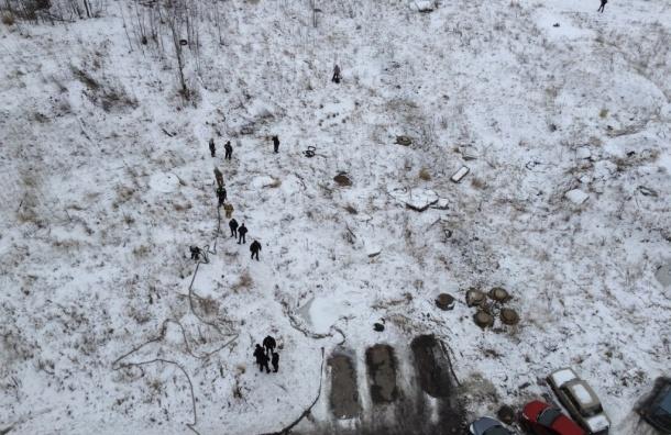 Мужчина облился бензином и грозит взорвать гранату на Шуваловском проспекте