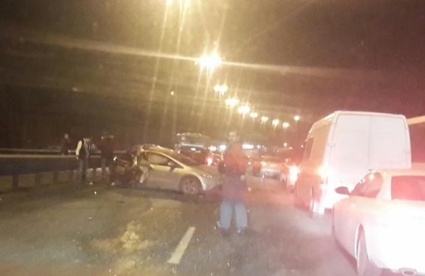 Десяток машин столкнулся на КАД в районе Колтушского шоссе