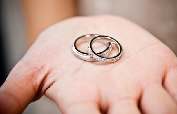 Россиянам предлагают запретить жениться до 16 лет