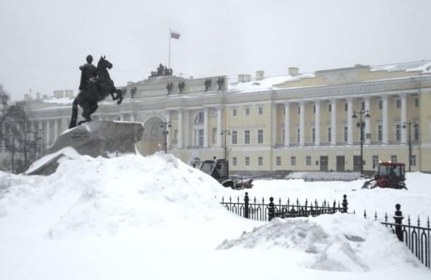 Снежный шторм ждут в Петербурге завтра с утра