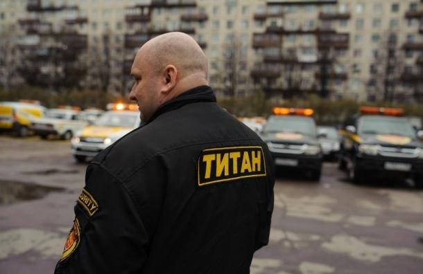 Охранники удержали толпу от расправы над «педофилами» в супермаркете на Косыгина