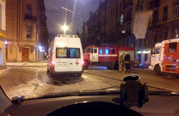 Очевидец: Колокольная перекрыта пожарными