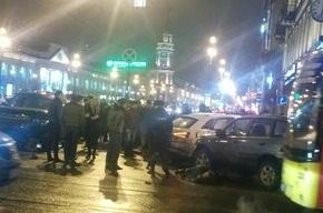 Крупная авария с пострадавшими произошла на пересечении Невского и Садовой