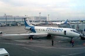 Самолет, летевший в Петербург, спасли от столкновения с истребителем
