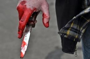 Мигранта два раза ударили ножом в вестибюле