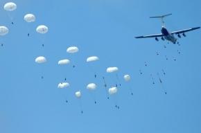 Два десантника чудом спаслись под Псковом на одном парашюте