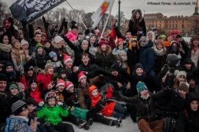 Сотни петербуржцев сразились в «Снежной битве» на Марсовом поле