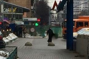 В Москве оцепили станцию метро из-за подозрительной женщины в черном