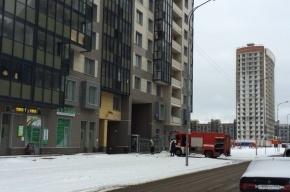 Мусоропровод тушили в новостройке на Адмирала Коновалова