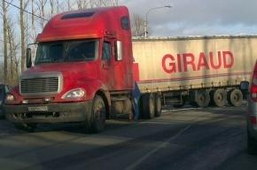 Фура потеряла прицеп на Колпинском шоссе