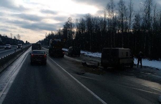 Инкассаторская машина попала в аварию на Московском шоссе