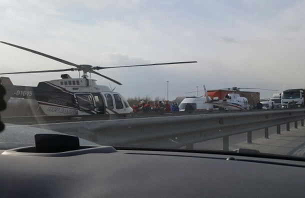 КАД: авария вертолета и машина на полсалона «вошедшая» в фуру