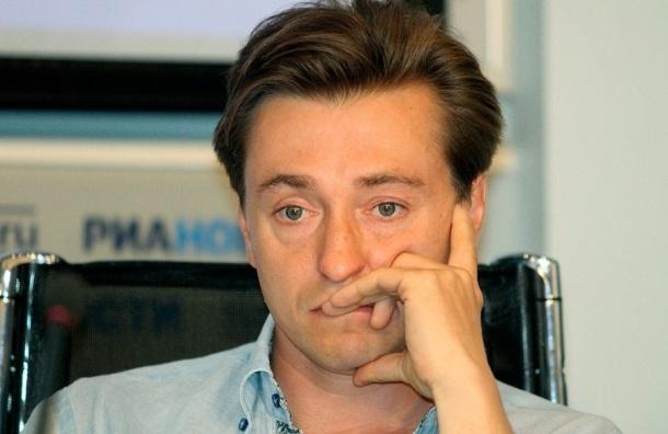 СМИ: Сергей Безруков расписался с Анной Матисон