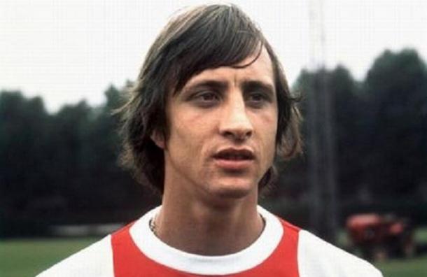 Легенда мирового футбола Йохан Кройф скончался в возрасте 68 лет
