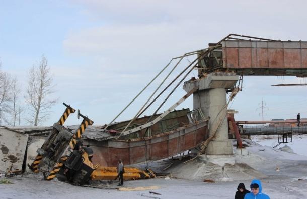 Мост с краном и рабочими рухнул на юге Красноярского края