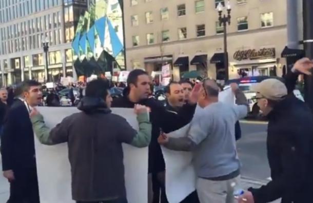Охрана Эрдогана собственным криком заглушила возмущенных демонстрантов в США