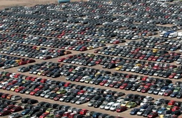 Производство автомобилей в Петербурге сократилось на 23%