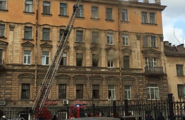 Жилой дом на Некрасова окутало дымом