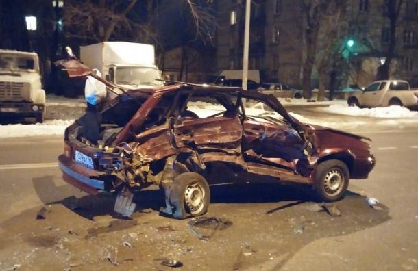 Пьяный дрифтер разворотил свою машину в металлолом на Седова