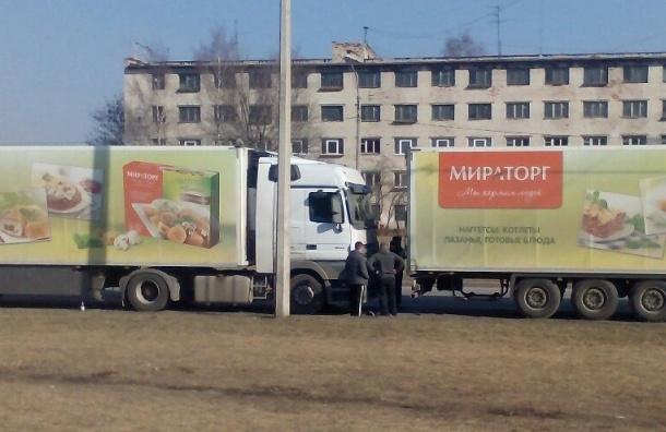 «Гамбургер» из фур «Мираторг» сложился на Большевиков
