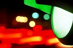 Машина сбила женщину на светофоре Большой Подьяческой