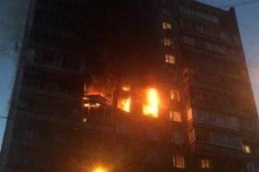 Взрыв в жилом доме Москвы, здание горит