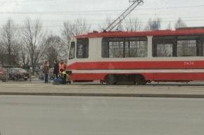 Трамвай на Луначарского сбил мужчину