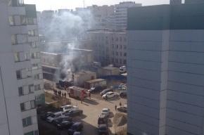 Машина «скорой помощи» сгорела во дворе поликлиники на улице Генерала Симоняка