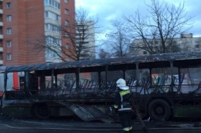 Автобус сгорел на проспекте Испытателей