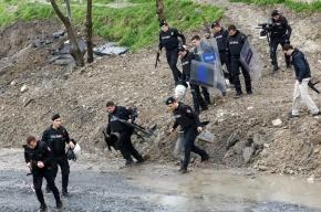Стамбульские полицейские застрелили женщин, которые бросали в них гранаты