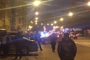 Человека «вырезали» из машины в массовой аварии на Васильевском острове