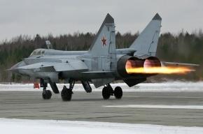 Истребитель аварийно сел под Красноярском по пути на авиаремонтный завод