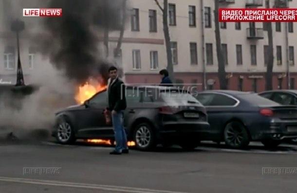 Машину жены Сергея Шнурова сожгли в Петербурге