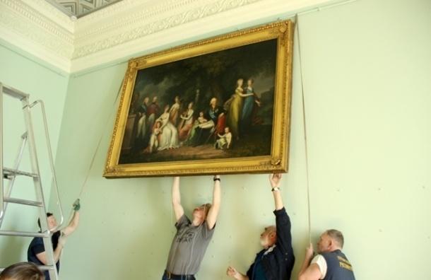 Павловский дворец показал отреставрированные интерьеры
