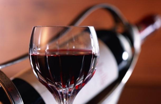 Два бокала красного вина в день помогают сжигать жир