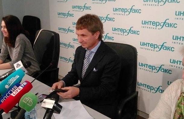 Глущенко обвинил градозащитников в поджоге экскаватора