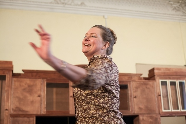 _Елена Андреева - Люба Байкалова, сцена из спектакля
