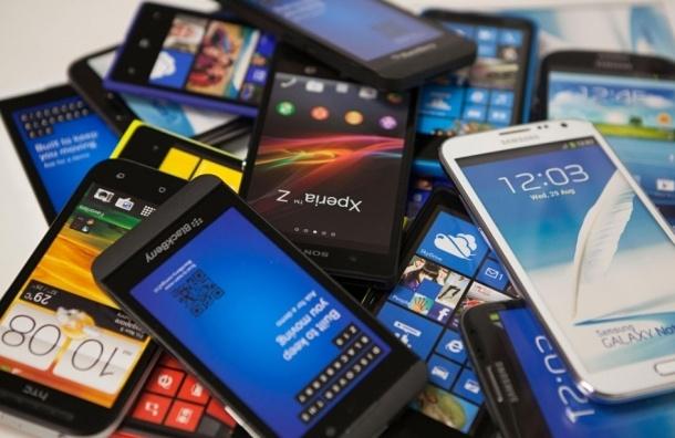 Салон сотовой связи ограбили на Новочерскасском проспекте